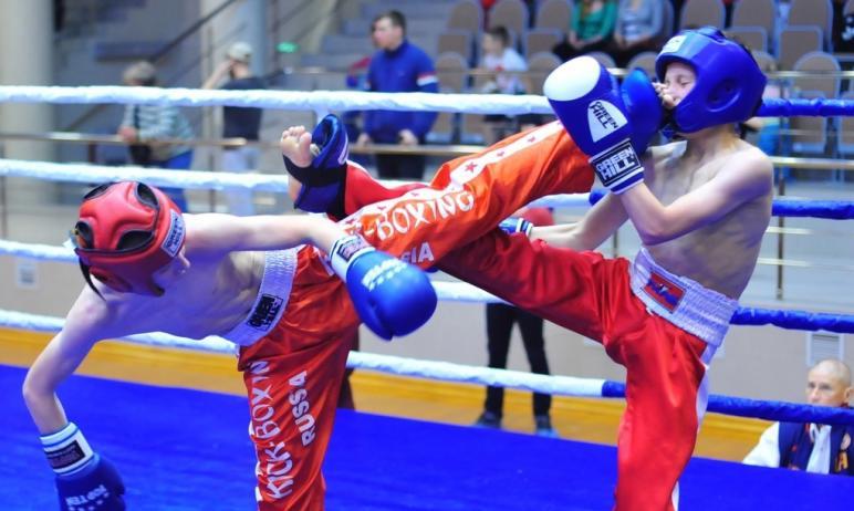 В челябинском дворце спорта «Юность сегодня, четвертого мая, стартовали чемпионат и первенство Ро