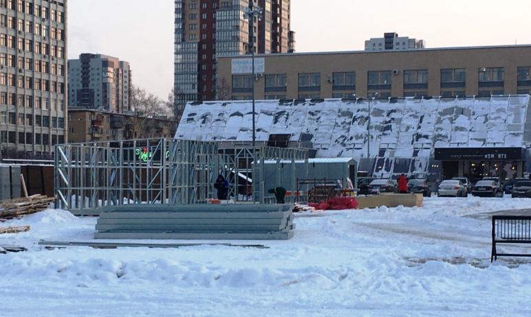 В Челябинске приостановили работы по строительству павильонов и катка возле объекта культурного н