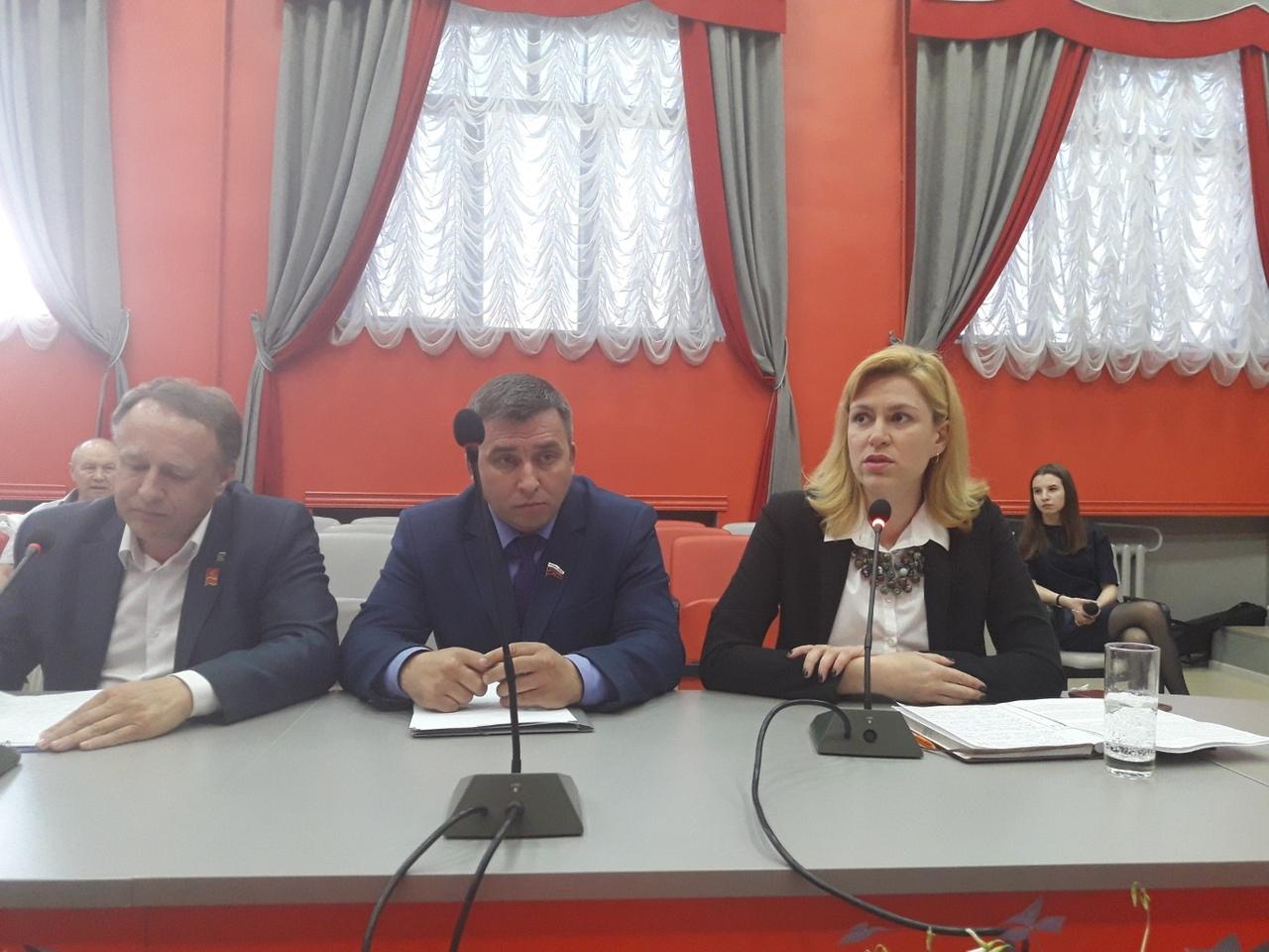 Следственный комитет возбудил уголовное дело в отношении исполняющей обязанности директора муници
