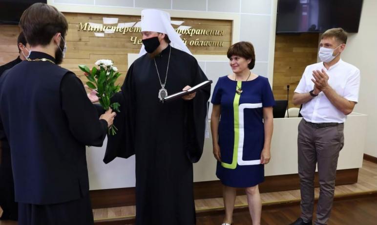 Медицинским работникам Челябинской области вручили «патриаршие» медали в знак признательности за