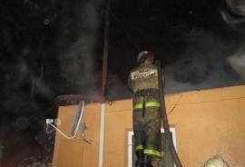 Как сообщает ГУ МЧС области, строящееся здание в Варненском районе загорелось в 14 часов 12 минут