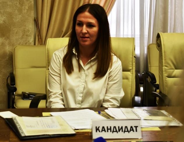 Первая женщина – общественница, многодетная мама из Миасса Татьяна Якимова - подала документы на