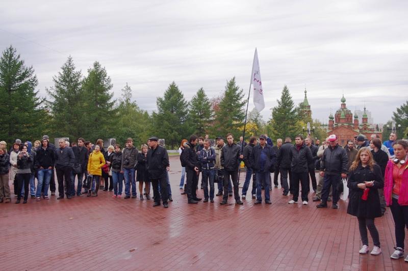По разным оценкам на оппозиционном мероприятии собралось 150-200 человек. Митинг прошел сп