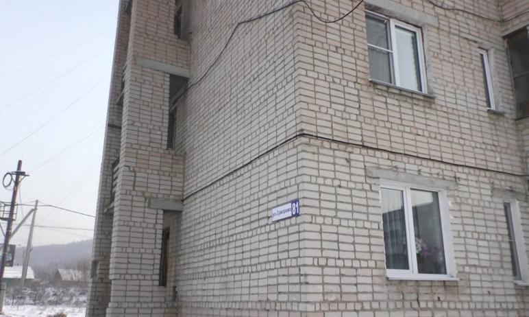 В Златоусте (Челябинская область) АО «Златмаш» продолжает устранять аварию на своей теплотрассе.