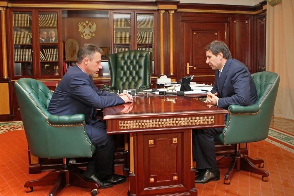 По словам губернатора, всем пострадавшим выделена материальная помощь по 10 тысяч рублей из облас