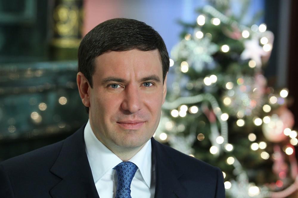 Вспоминая семейные традиции, губернатор рассказал, что в детстве он всегда отмечал новогодний пра