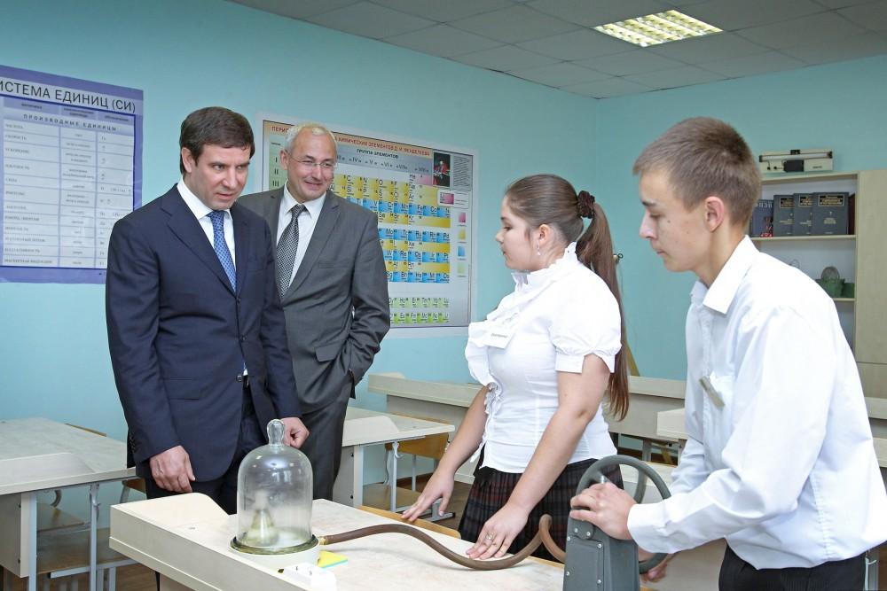 Об этом сообщил губернатор Михаил Юревич, побывавший накануне, второго сентября, на торжественной