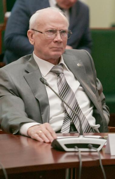 Президент Южно-Уральской торгово-промышленной палаты Федор Дегтярев рассказал о проблемах торгово