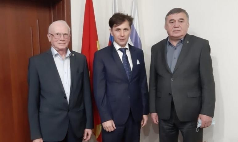 Президент Южно-Уральской торгово-промышленой палаты Федор Дегтярев поделился передовым опытом по