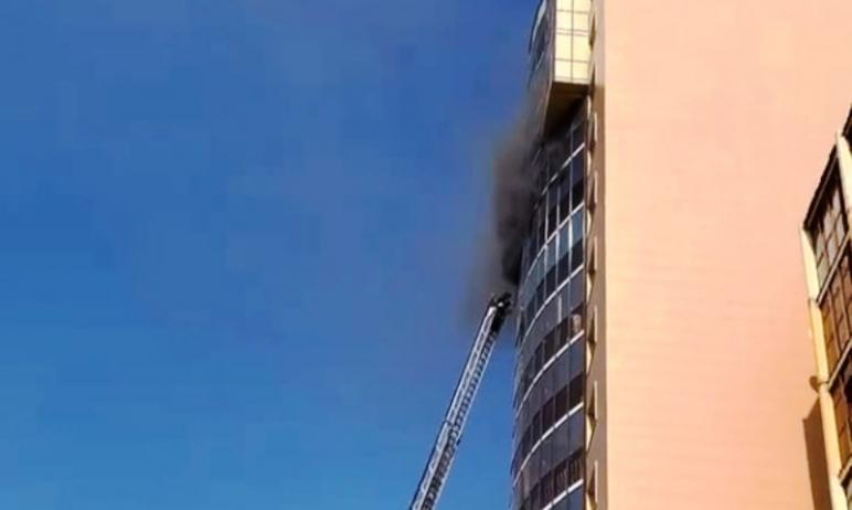 В Челябинске пожарные ликвидировали пожар в многоквартирном доме. Несколько жильцов эвакуировалис