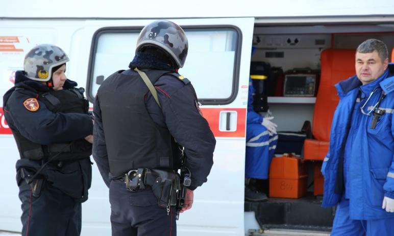 В Челябинске сотрудники вневедомственной охраны задержали мужчину, оказывавшего сопротивление мед