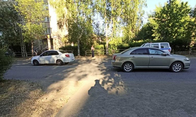 В Миассе (Челябинская область) 58-летний водитель, управляя автомобилем Toyota Avensis, сбил 10-л