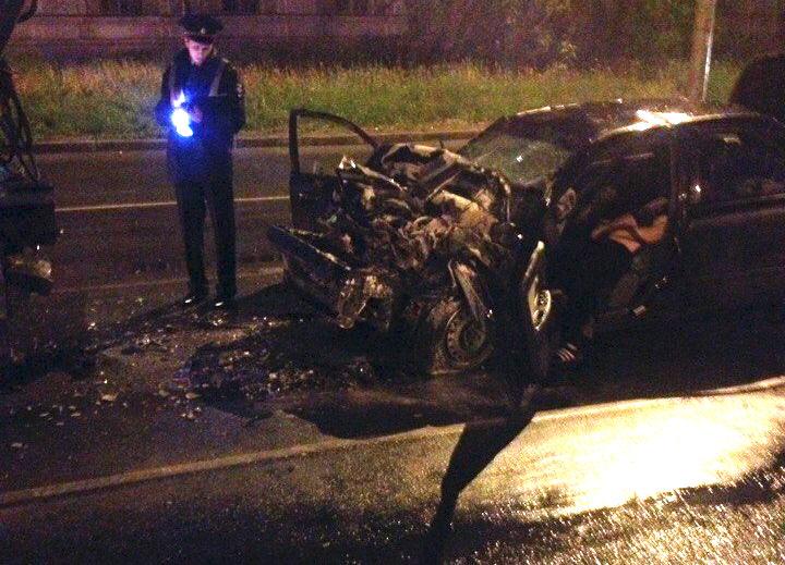 Как пишут пользователи соцсетей, водитель от полученных травм умер, а его пассажира госпитализиро