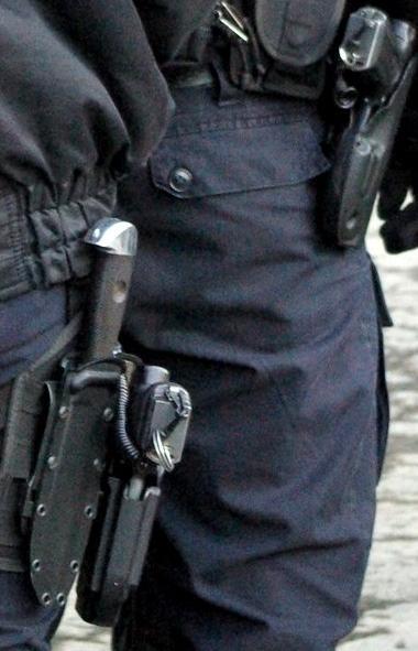 В мэрии Златоуста (Челябинская область) сегодня, 17 декабря, сотрудник ОБЭПа и регионального след