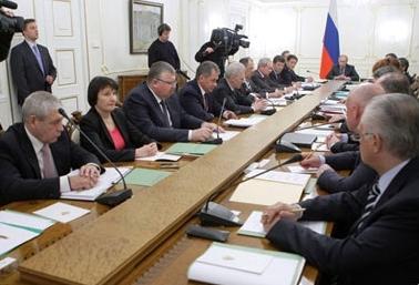 Министр образования и науки РФ Андрей Фурсенко рассказал, что пока это только первое предложение,