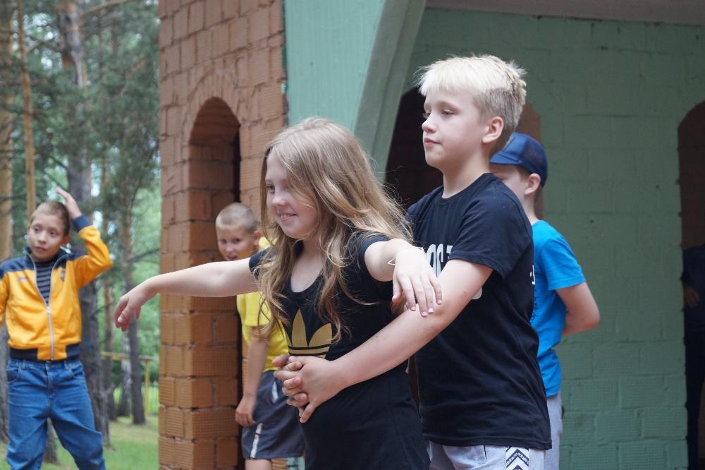 Вторая оздоровительная смена открылась в детском загородном оздоровительном лагере «Лесная застав