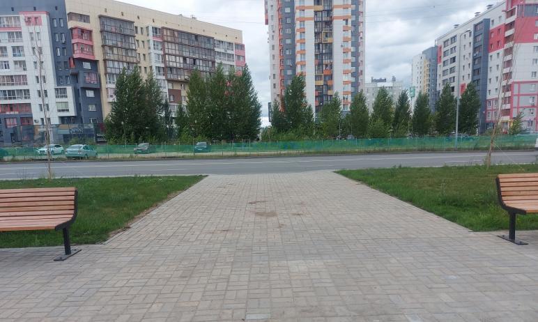 Сквер на Тополиной аллее Челябинска рождает у жителей северо-запада немало вопросов к администрац