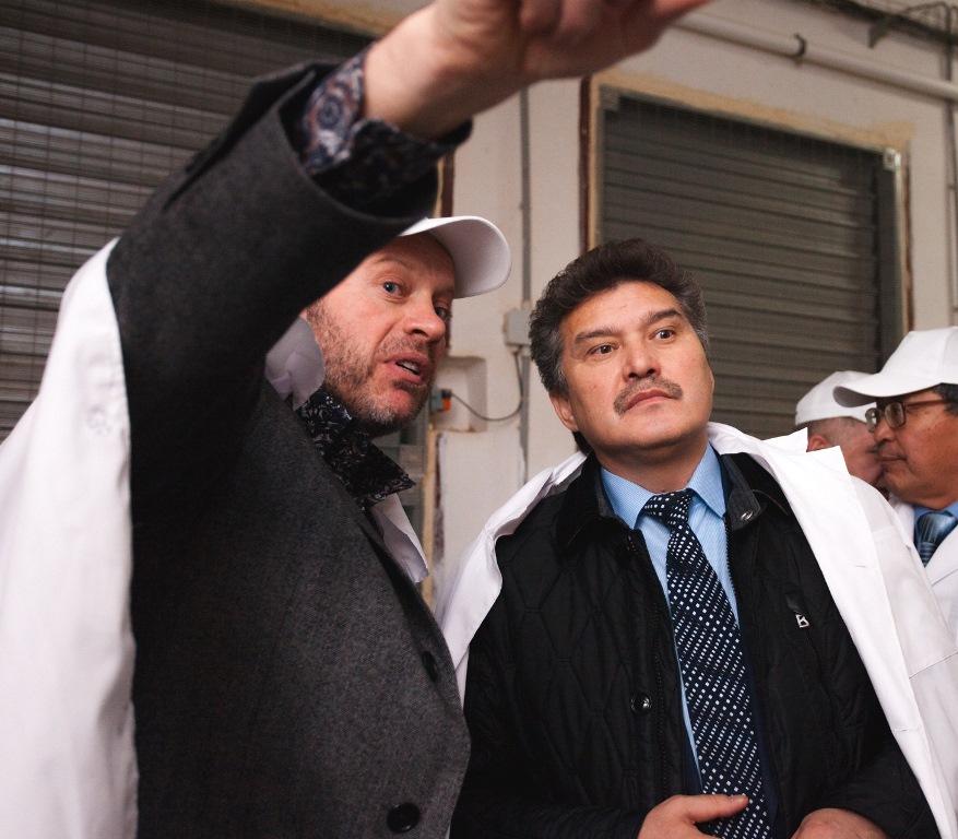 Нуралы Садуакасову и другим высокопоставленным гостям из представителей власти и бизнеса Казахста