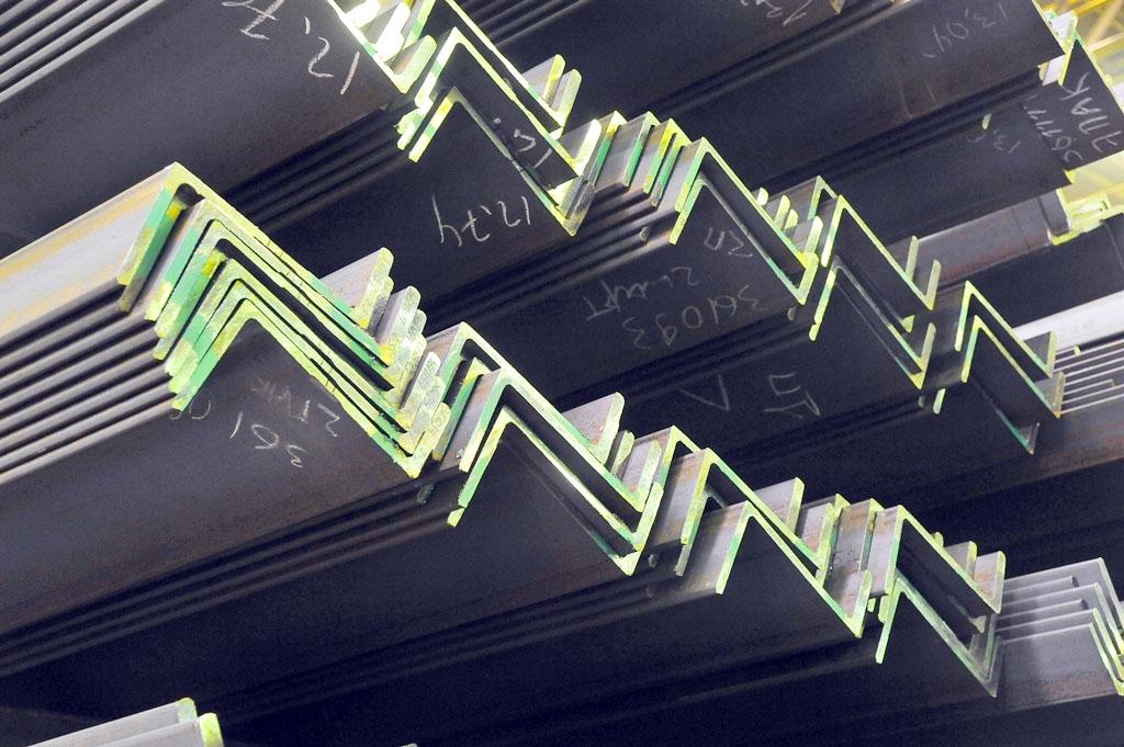 Как сообщает пресс-служба компании, новую продукцию начали выпускать на рельсобалочном стане ЧМК.
