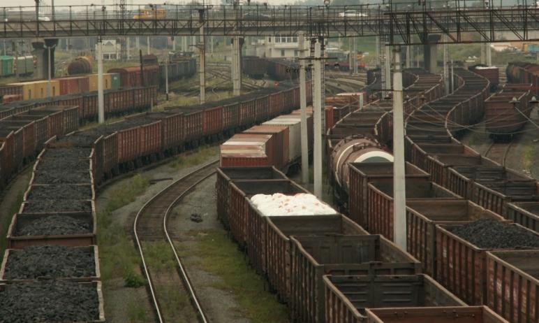 За шесть месяцев 2021 года на железной дороге в Челябинской области пострадало 17 человек, что на
