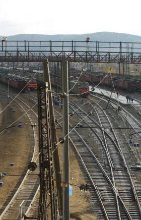 Грузовой поезд сбил пьяного жителя Миасса (Челябинская область), который разгуливал по рельсам. М