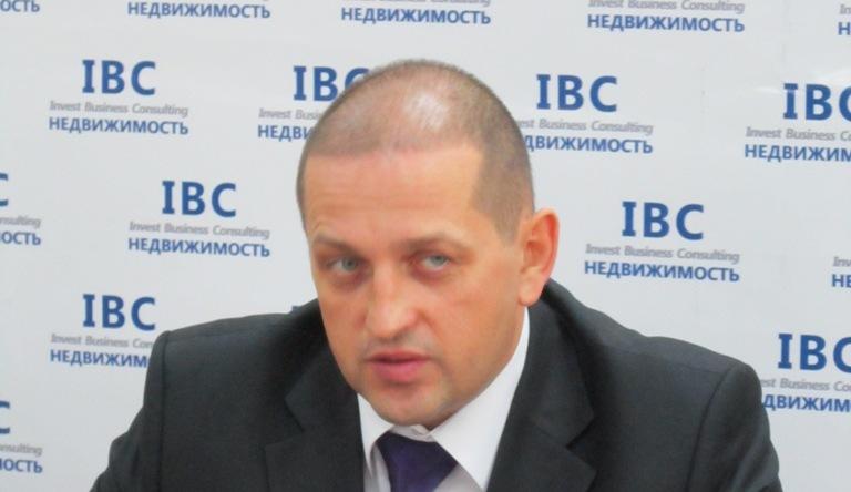 Посодействовать в передаче площадей «Булата» в муниципальную собственность Вячеслав Жилин около м
