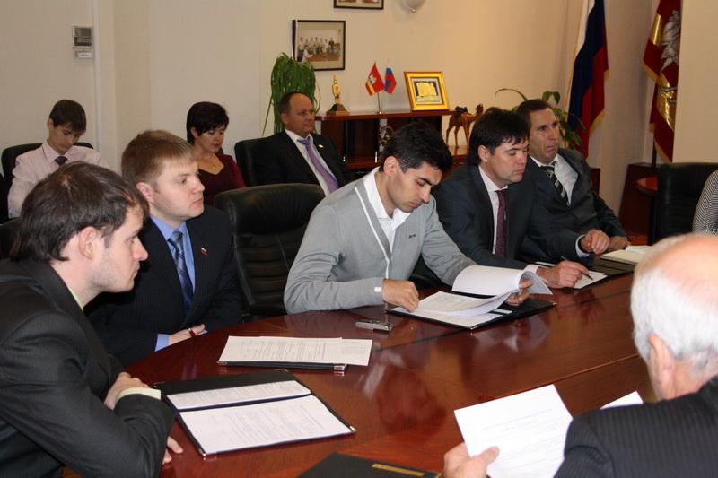 Сегодня, 7 декабря, на заседании избирательной комиссии по Челябинской области Павел Жолобов, выд