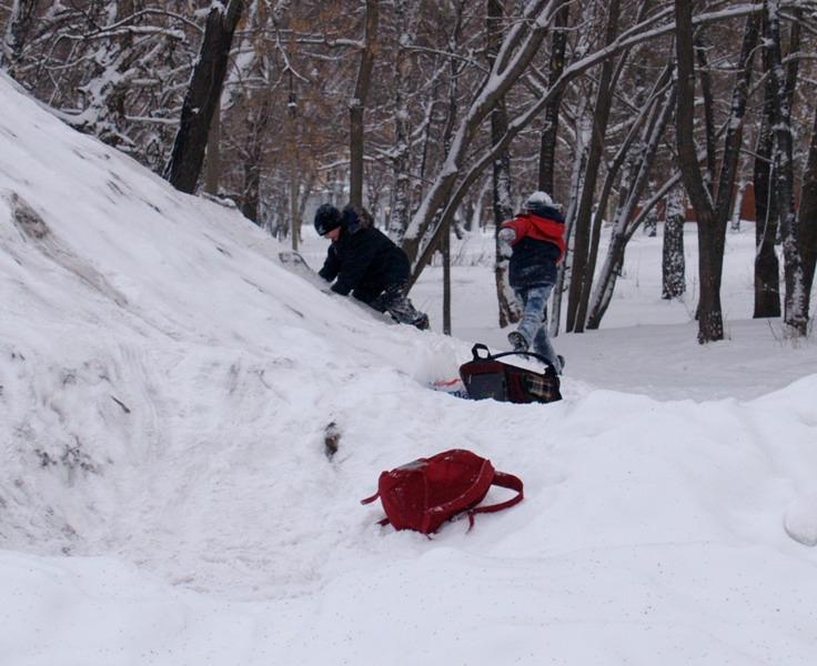При более сильном ветре занятия не состоятся уже при минус 28 – 29 градусах мороза. Для уч