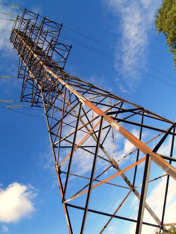 Энергетики заменили более шести километров обычного неизолированного провода на СИП в поселках Пл