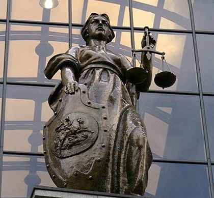 В судебном заседании выступили все четверо осужденных Центральным районным судом и их адвокаты. С