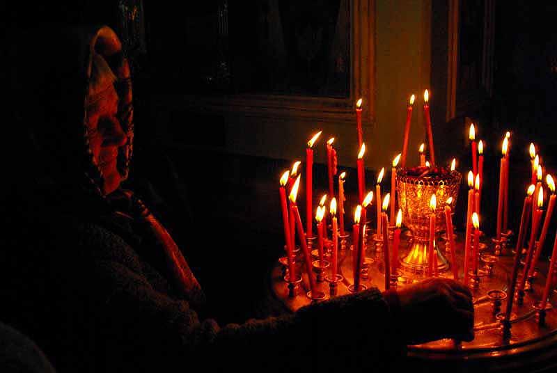 Сегодня, 19 октября, в Керчи проходят траурные мероприятия. Хоронят подростков и преподавателей,