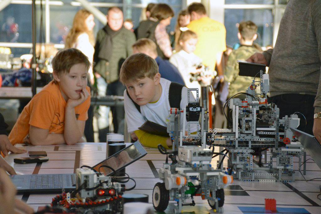 Делегация Челябинской области отправляется на самое ожидаемое событие в мире робототехники - XI В