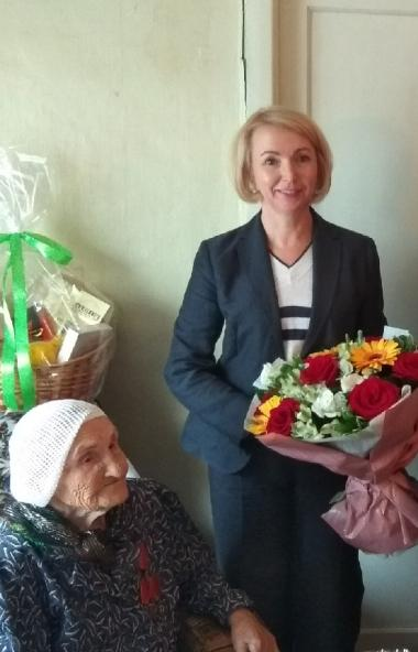 Первый заместитель губернатора Челябинской области Ирина Гехт и исполняющий обязанности министра